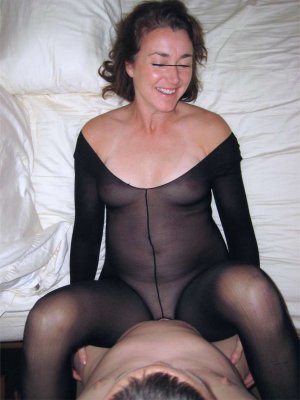 Oulfa granny escorts in Glasgow